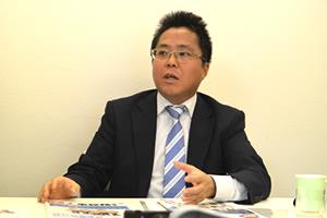 人事総務グループはワンストップで多様なサービスを提供しています(洞澤)